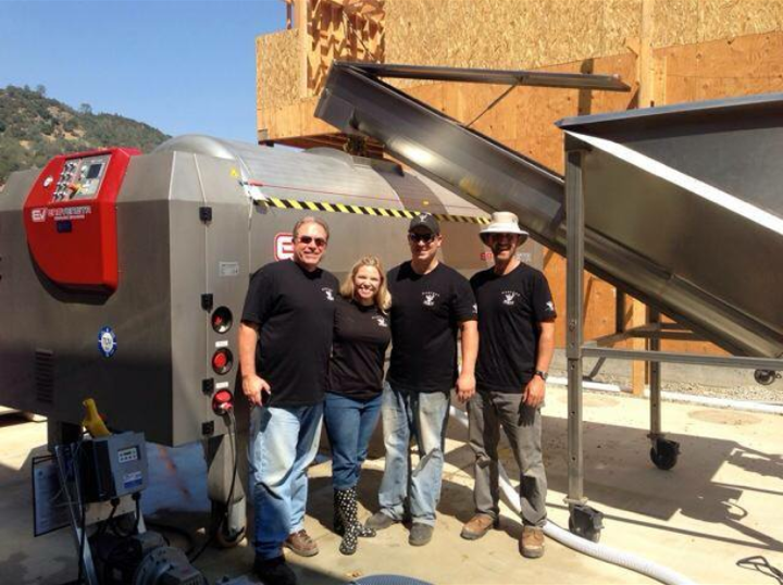 Harvest crew 2014 Arden, Amanda, Brian and Sam